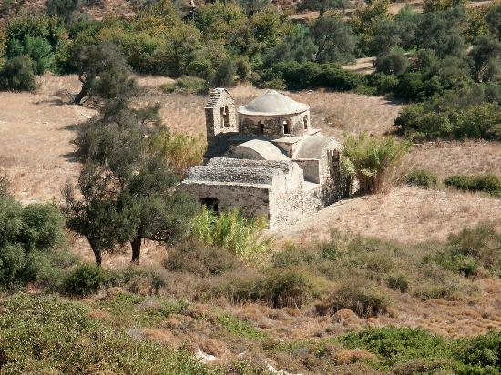 Mesi Potamia, Grecia: The 10th-century chapel of Agios Mamas, patron saint of shepherds, also known as Theoskepasti.