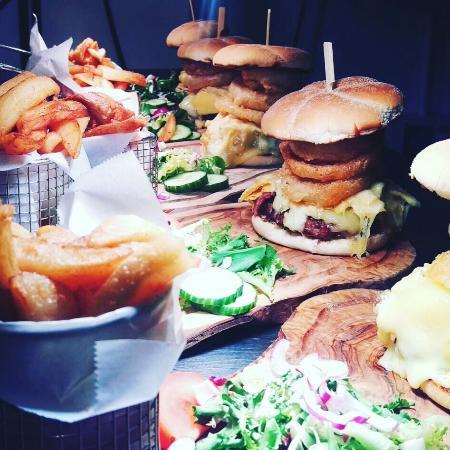 Neath, UK: Lodge burger