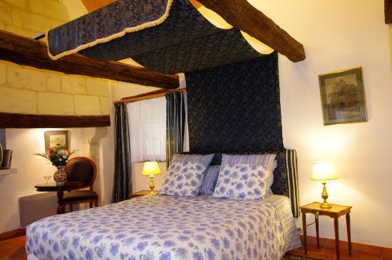 Rigny-Usse, Francia: L'une des chambres du Domaine de la Juranvillerie