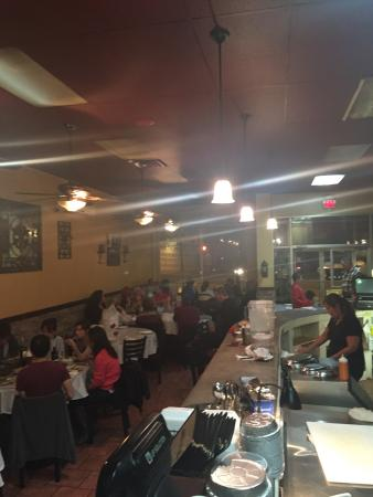 Caldwell, Nueva Jersey: Variety Food! Delicious Bbq! Great space for parties! Very good family staff service!