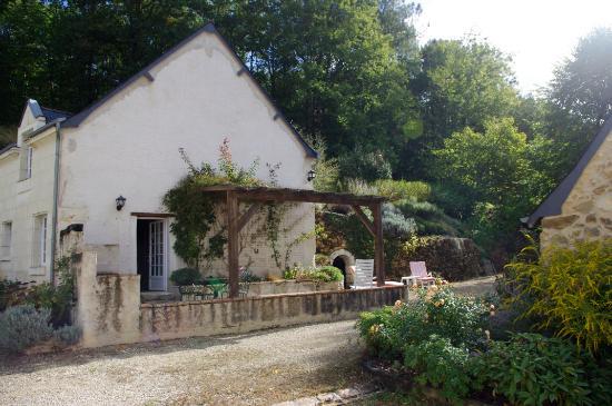 Rigny-Usse, Francja: Bâtiment ancien de la propriété