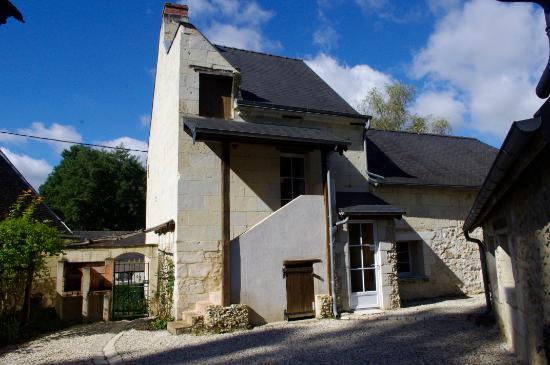 Rigny-Usse, Francja: Bâtiment médiéval du Domaine