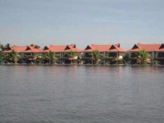Pagoda Resorts Alleppey : pagoda