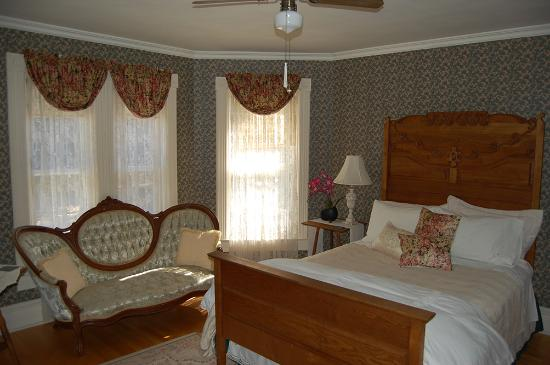 Reynolds House Bed and Breakfast: Northstar Room