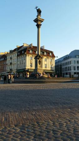 VIP Service - Transport & Concierge : Warsaw - Old Town with colon of King Sigismud III Waza