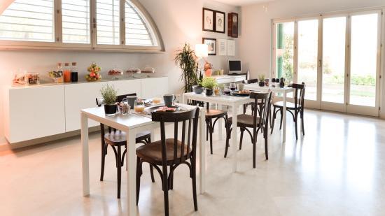 Sala colazioni picture of bagni di sole b&b matera tripadvisor