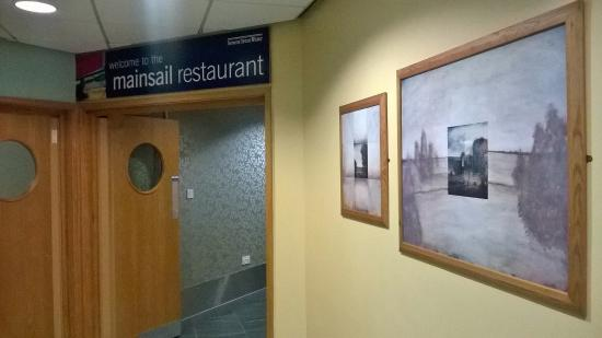 Mainsail Restaurant Picture