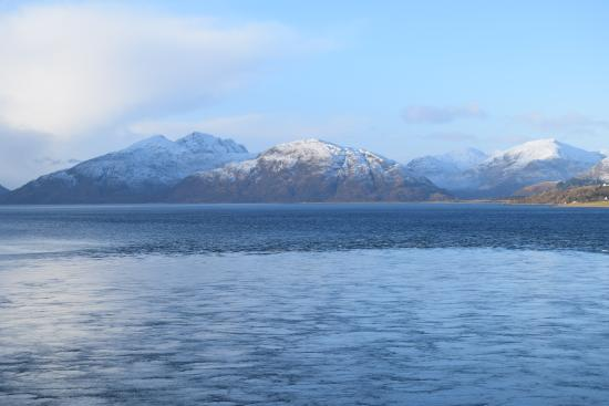 North Ballachulish, UK: highland view bed and breakfast glencoe january winter mountains