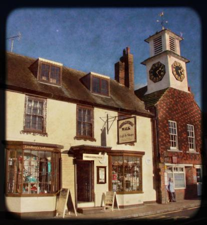 Steyning, UK: Cobblestone Walk From High Street