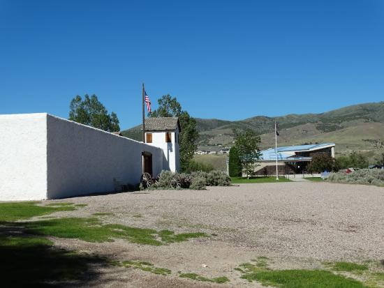 Pocatello, ID: The entrance (left)