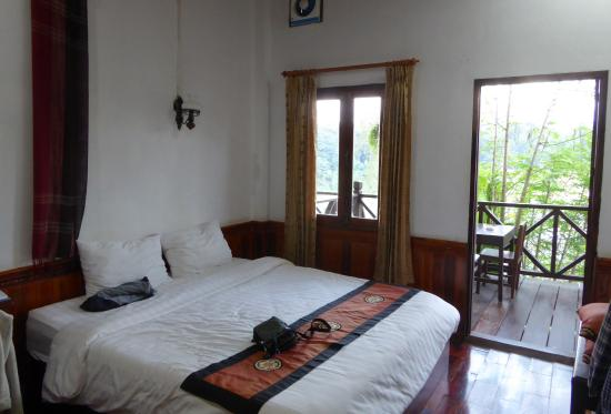 Namkhan Riverside: Superior Deluxe Room with Balcony