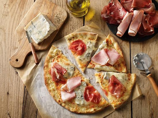 pizza 3 salumi photo de del arte saint maximin tripadvisor. Black Bedroom Furniture Sets. Home Design Ideas