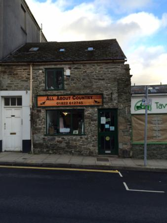 Tavistock, UK: Rebranded to All About Country