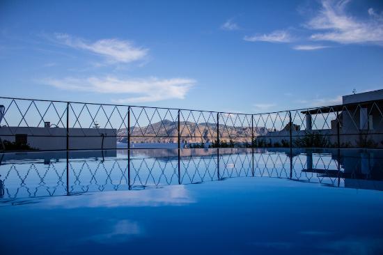 Santa Marina Salina, Italia: Panorama dalla Piscina