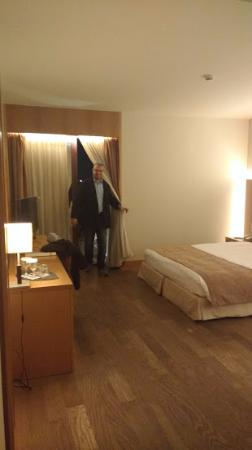 Domotel Les Lazaristes: Huge Bedroom