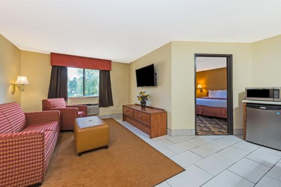 Portsmouth, OH: Family Suite