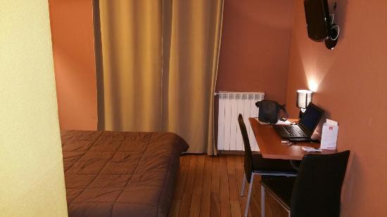 Frontignan, Francia: HOTEL POINT BLEU