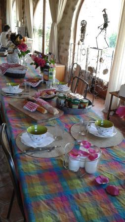 Sospel, Frankrike: petit déjeuner