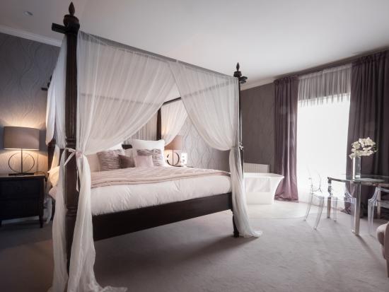 Godwick Hall: Sara Garner suite