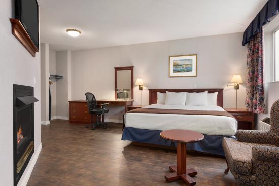 دايز إن - بروكفيل: 1 King Bed Hot Tub Suite