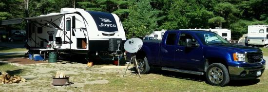 Lake George Schroon Valley Resort : Big Rig pull-through site #81B near river.