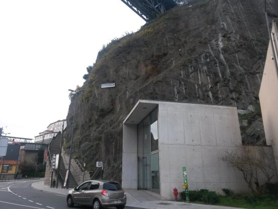 Porto District, Portugal: Funicular na Ribeira.