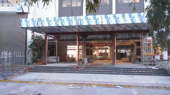 Hotel Riu Monica: Entrance/reception 25th January day of the earthquake.