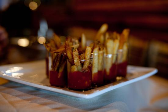 Fremont, NE: Even the home made fries and house ketchup had a great plating!