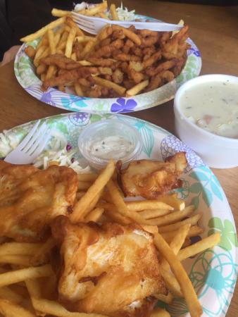 Imperial Schooner: Came for lunch.  We shared , clam chowder, fried clams, and fish and chips.  The fried white cod