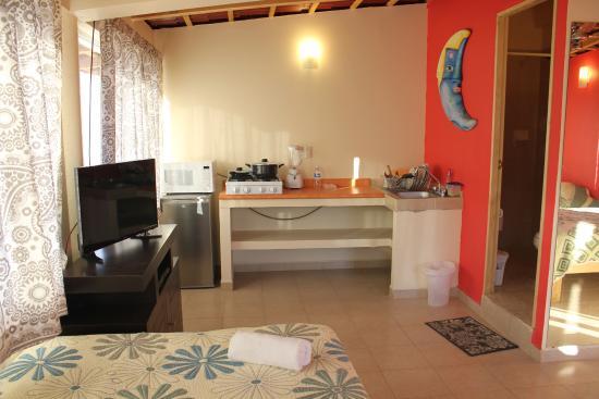Hotel Posada Lily: Suite con Cocineta