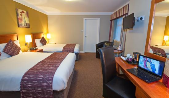 BEST WESTERN Eviston House Hotel: Bedroom 1