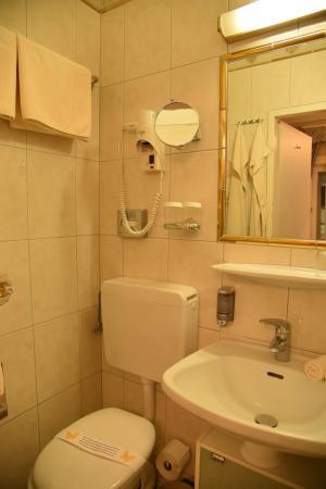 Hotel Zur Wiener Staatsoper: Bathroom