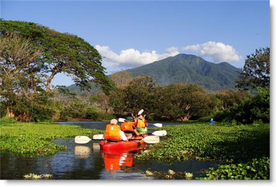 Finca San Juan de la Isla: Kayaking in Istiam River