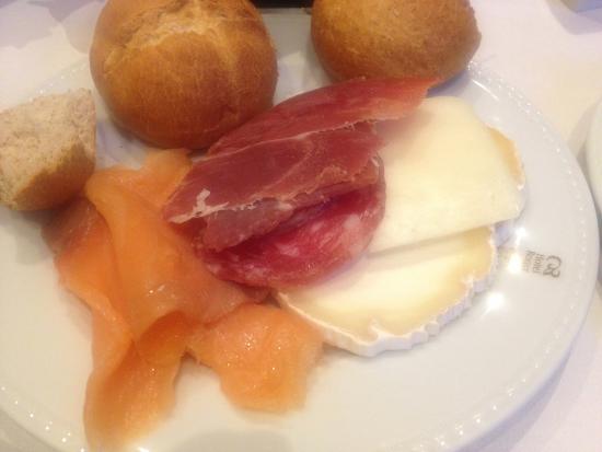Hotel Roger De Lluria Barcelona: Завтрак