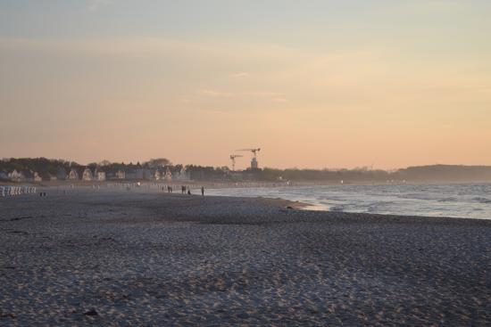 M ndung der warnow in die ostsee picture of strand for Hotel ostsee warnemunde