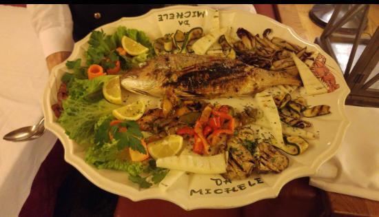 Palazzolo dello Stella, Италия: pesce fresco...con verdure grigliate