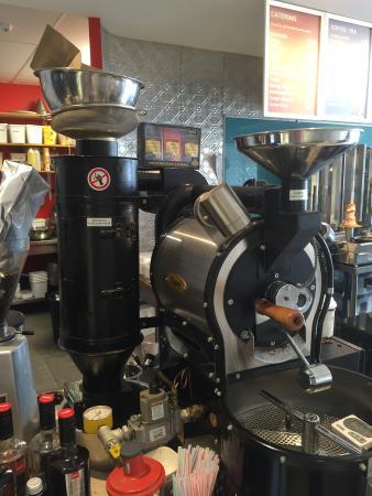 Whangaparaoa, Nya Zeeland: Coffee roasted on site