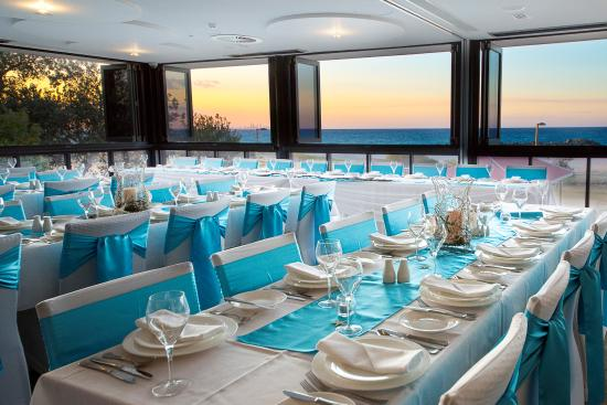 Coolangatta Surf Club Seabreeze Family Restaurant Beachfront Weddings And Functions