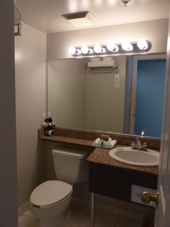 bath vanity picture of rosedale on robson vancouver tripadvisor rh tripadvisor com