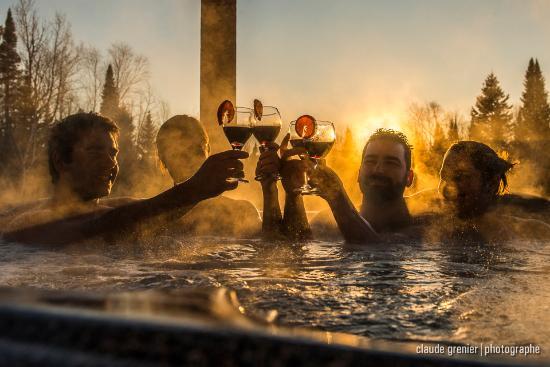 bain remous ext rieur picture of hebergement aux cinq ForBain A Remous Exterieur