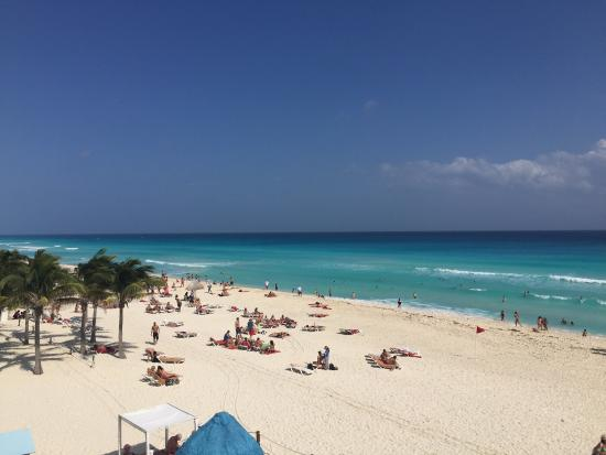 toes in the sand picture of the pyramid at grand oasis cancun rh tripadvisor co za