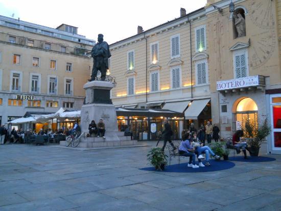 Провинция Парма, Италия: Piazza Garibaldi, lugar absolutamente imperdible en Parma