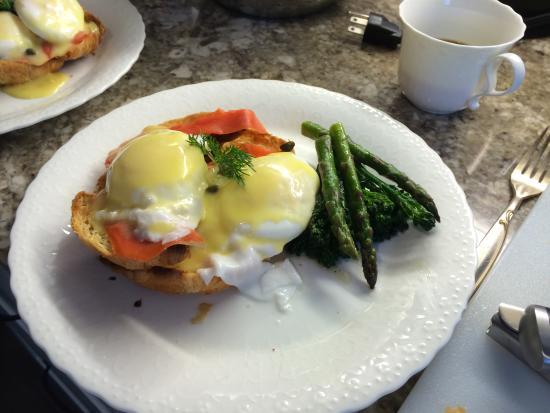 English Bay Inn: Breakfast