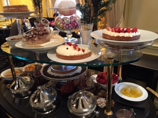 Le Chateau de Joel Robuchon: dessert cart, get whatever you like and enjoy it .