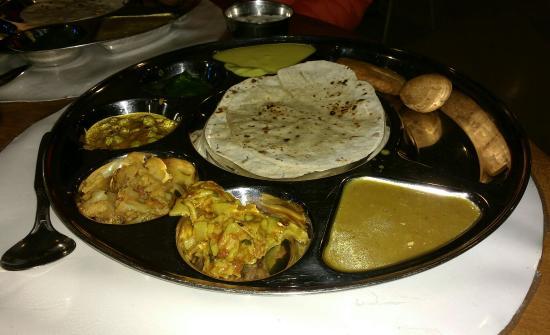 Garden Hotel Udaipur Restaurant