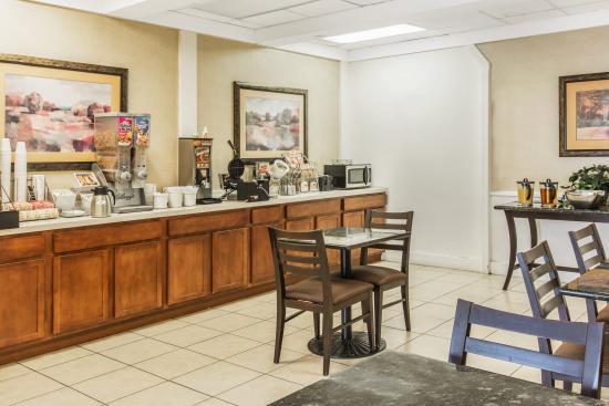 Caryville, Теннесси: Breakfast Area