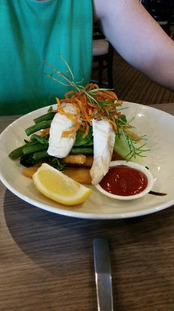 Paynesville, Australia: Kids fish and chips.
