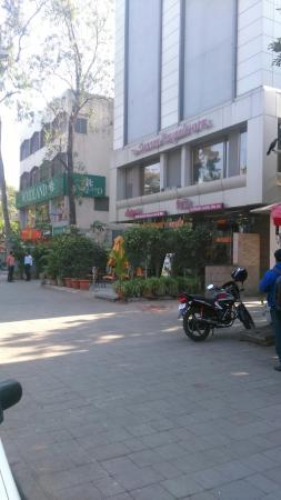 The Deccan Royaale: DSC_0068_large.jpg