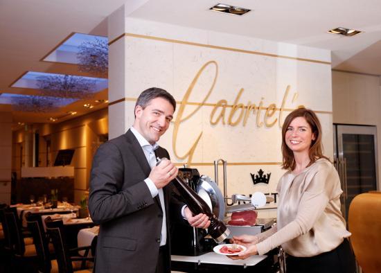 Hotel Kaiserhof: Gastgeber Anja & Kay Fenneberg im Hotelrestaurant Gabriel's