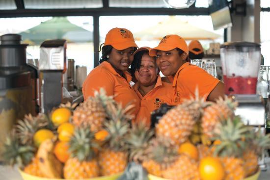 Circus Circus Beach Cafe: Friendly Staff